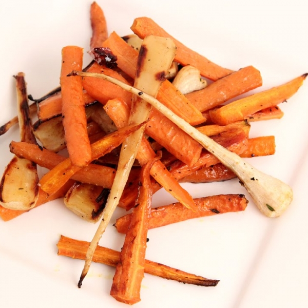 Honey And Thyme Roasted Carrots and Parsnips